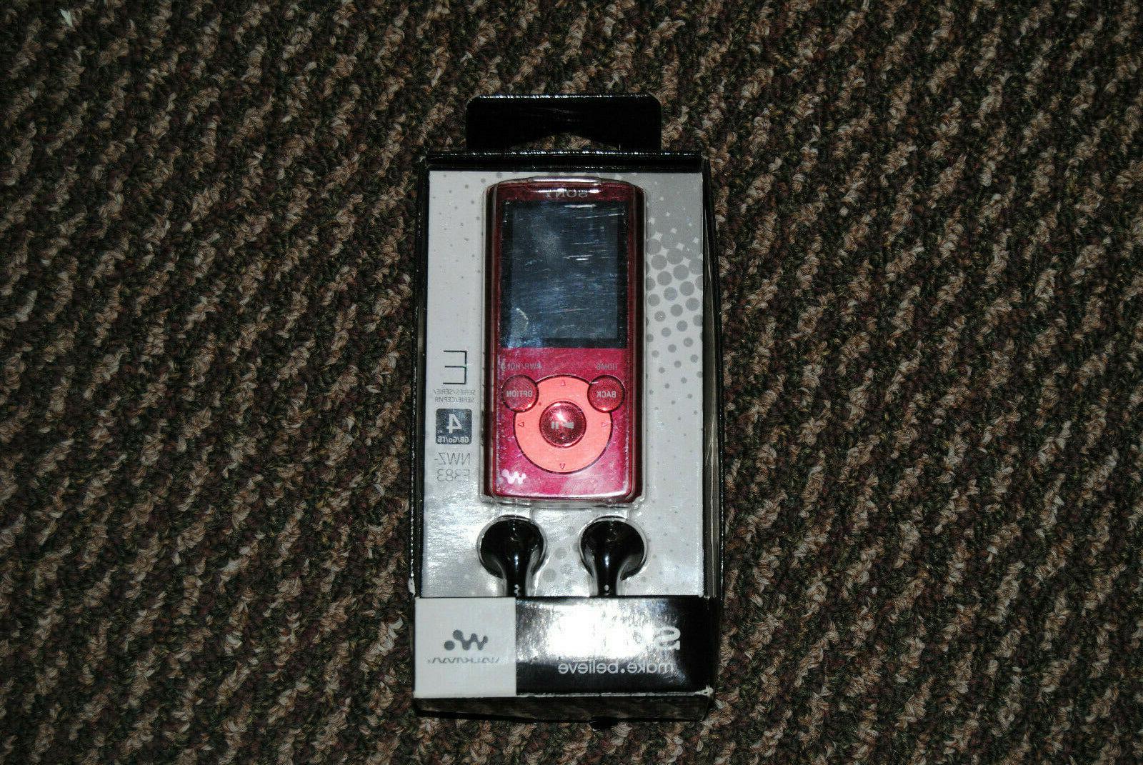 VTG 4GB WALKMAN Red Portable FM